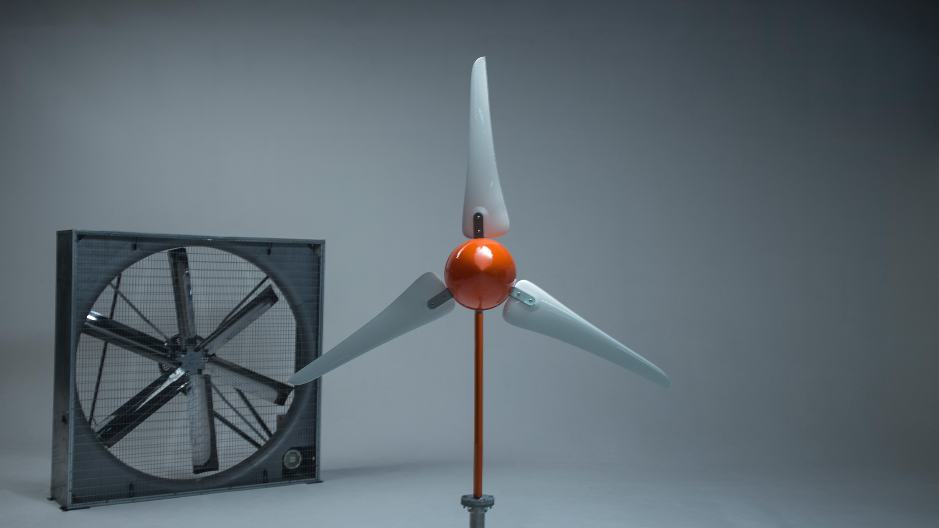 The Windleaf — A small powerful and reliable wind turbine